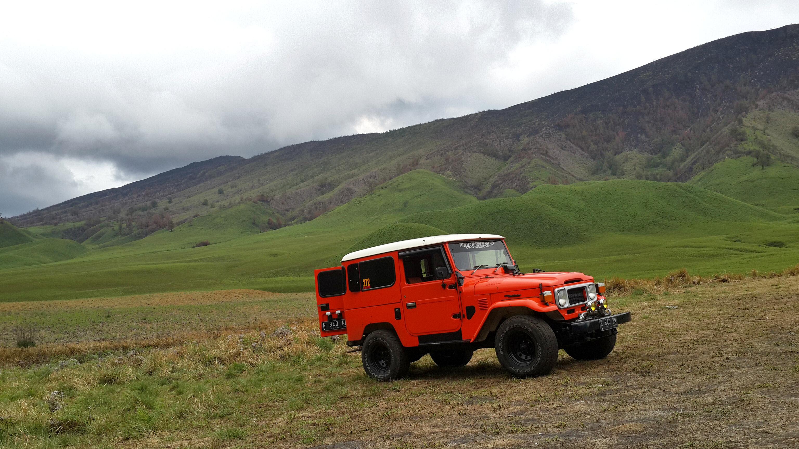 jeep bromo, jeep bromo harga, jeep bromo malang, http://rentalsewamobilmalangbatu.com/, Telkomsel 0821 41555 123